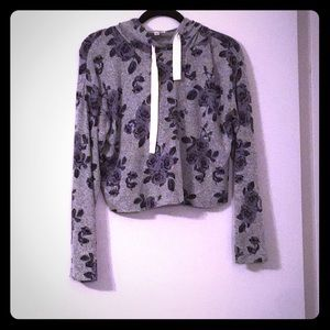 NWOT Cropped Floral Pullover